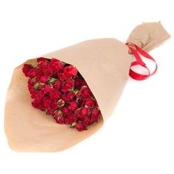 Букет из красных кустовых роз №48