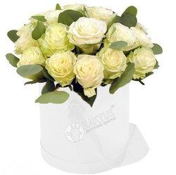 Композиция с белыми розами №29
