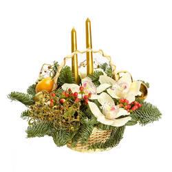 Корзина орхидей со свечами