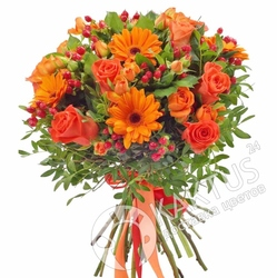 Букет гербер и оранжевых роз.
