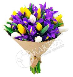 Букет ирисов и тюльпанов