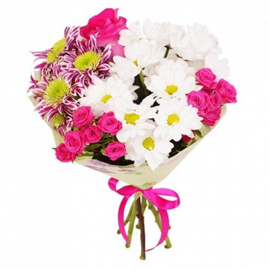 Букет кустовых роз и хризантем